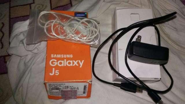 Samsung Galaxy J5 Vendo O Cambio Po Moto