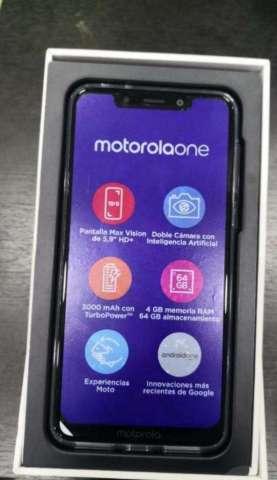 Vendo Cambio Motorola One Poco Uso