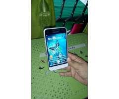 Vendo Un Hermoso Celular Samsung J 1