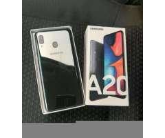 Samsung Galaxy A20 con Apenas 15 Diaz