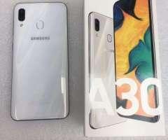 Samsung A30 Nuevo de 64 Gigas