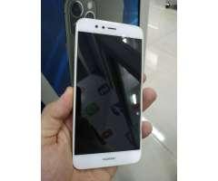 Huawei P10 selfi en muy buen estado.
