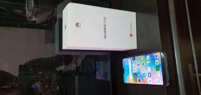 Huawei P20 en excelente condición como nuevo con accesorios