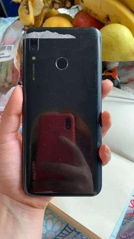 Vendo Huawei Y9 2019 vidrio sensor roto. Display funcional. De resto sirve perfecto cámara, hu...
